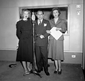 CBS-OLD-TV-RADIO-PHOTO-Edward-G-Robinson-in-CBS-Radio-1