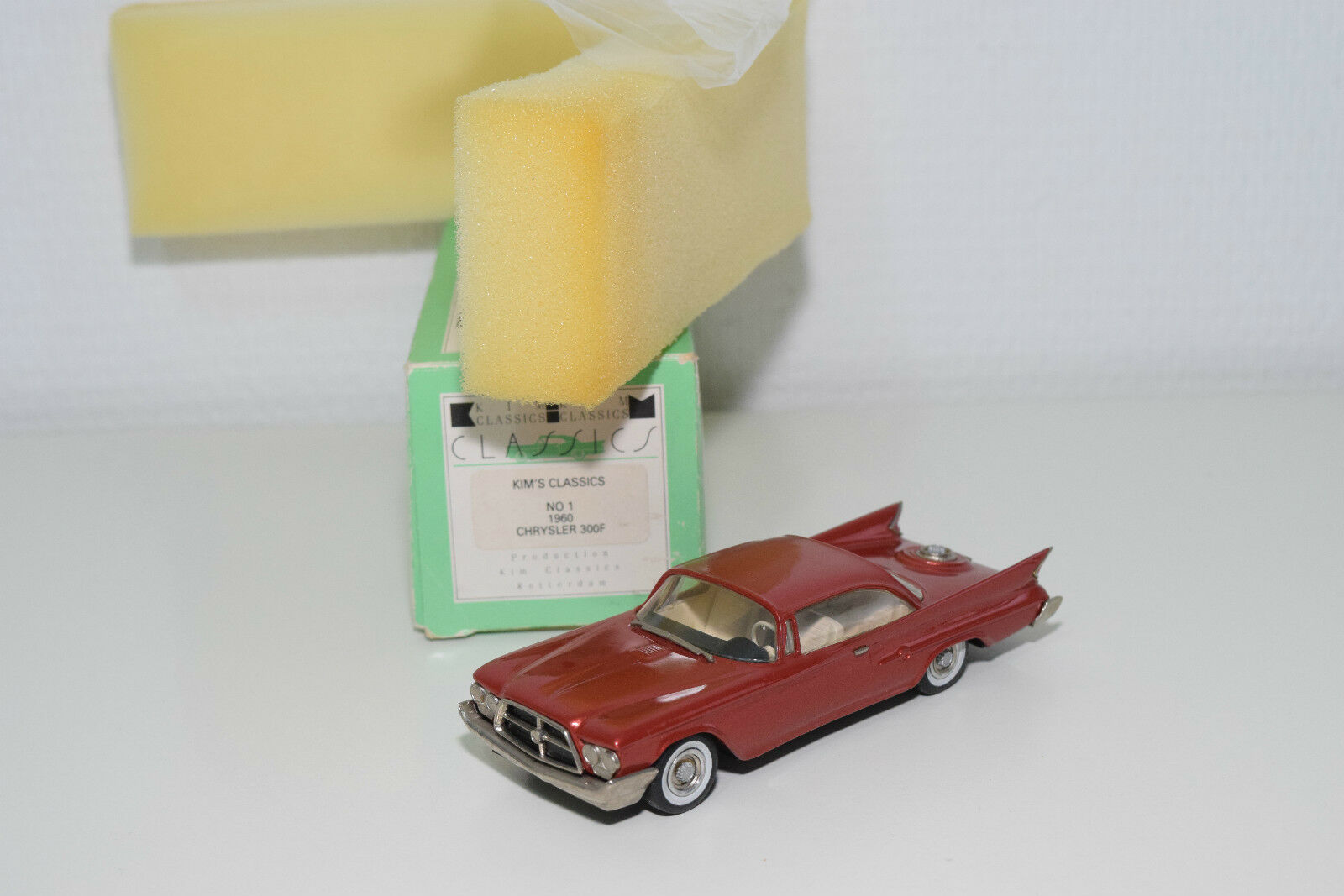 . KIM'S CLASSICS WESTERN MODELS 1 CHRYSLER 300F 300 F 1960 MET. rosso MINT BOXED