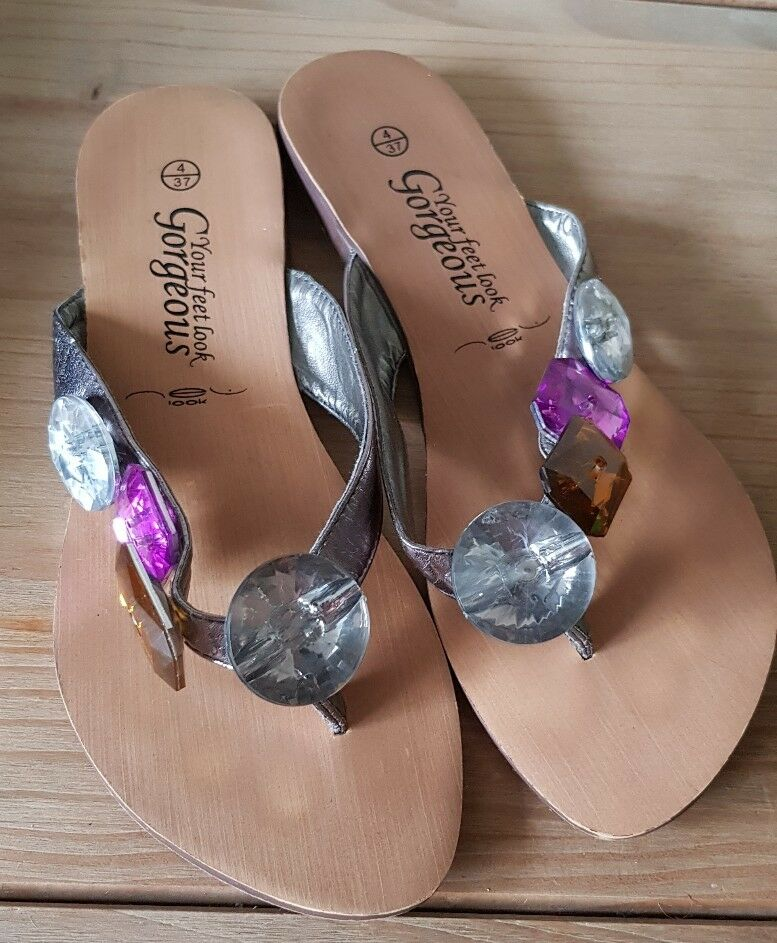 Women's Jeweled Sandals Size 4 Love New Look Summer Holidays Love 4 Island 6ae33b
