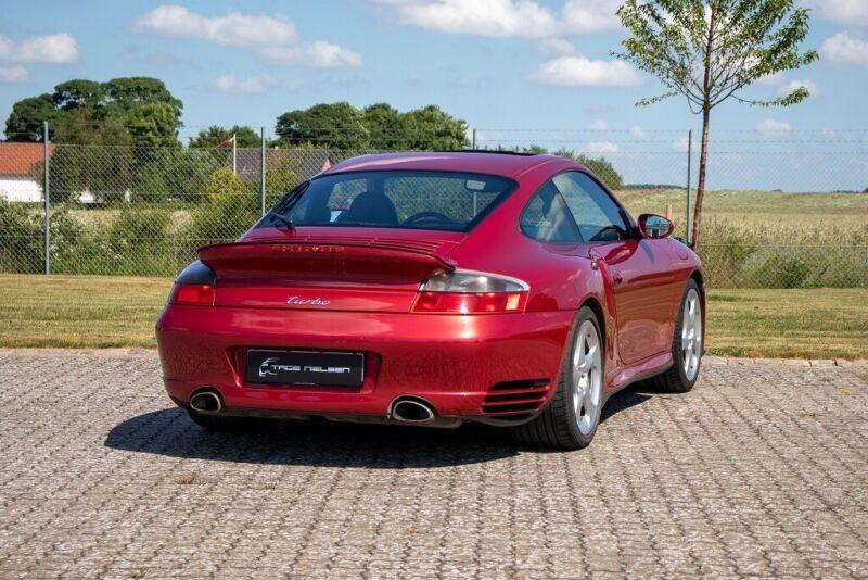 Porsche 911 Turbo Coupé Tiptr. - 3