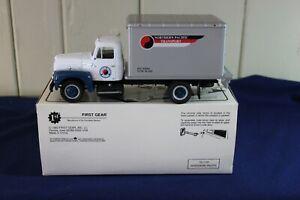 New First Gear 1957 International R-190 Northern Pacific Dry Goods Van 1//34
