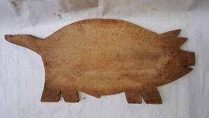 OLD-ANTIQUE-PRIMITIVE-WOODEN-WOOD-BREAD-CUTTING-BOARD-PLATE-PIG-110