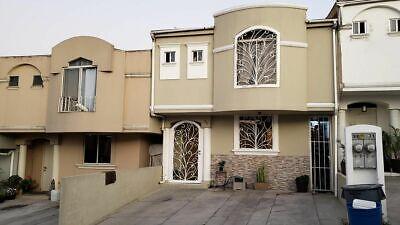Se vende amplia casa en Privada Villa Bonita PMR-632