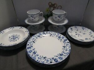 Laura Ashley Sophia Blue & White 20 Piece **EUC** (4) 5-piece settings