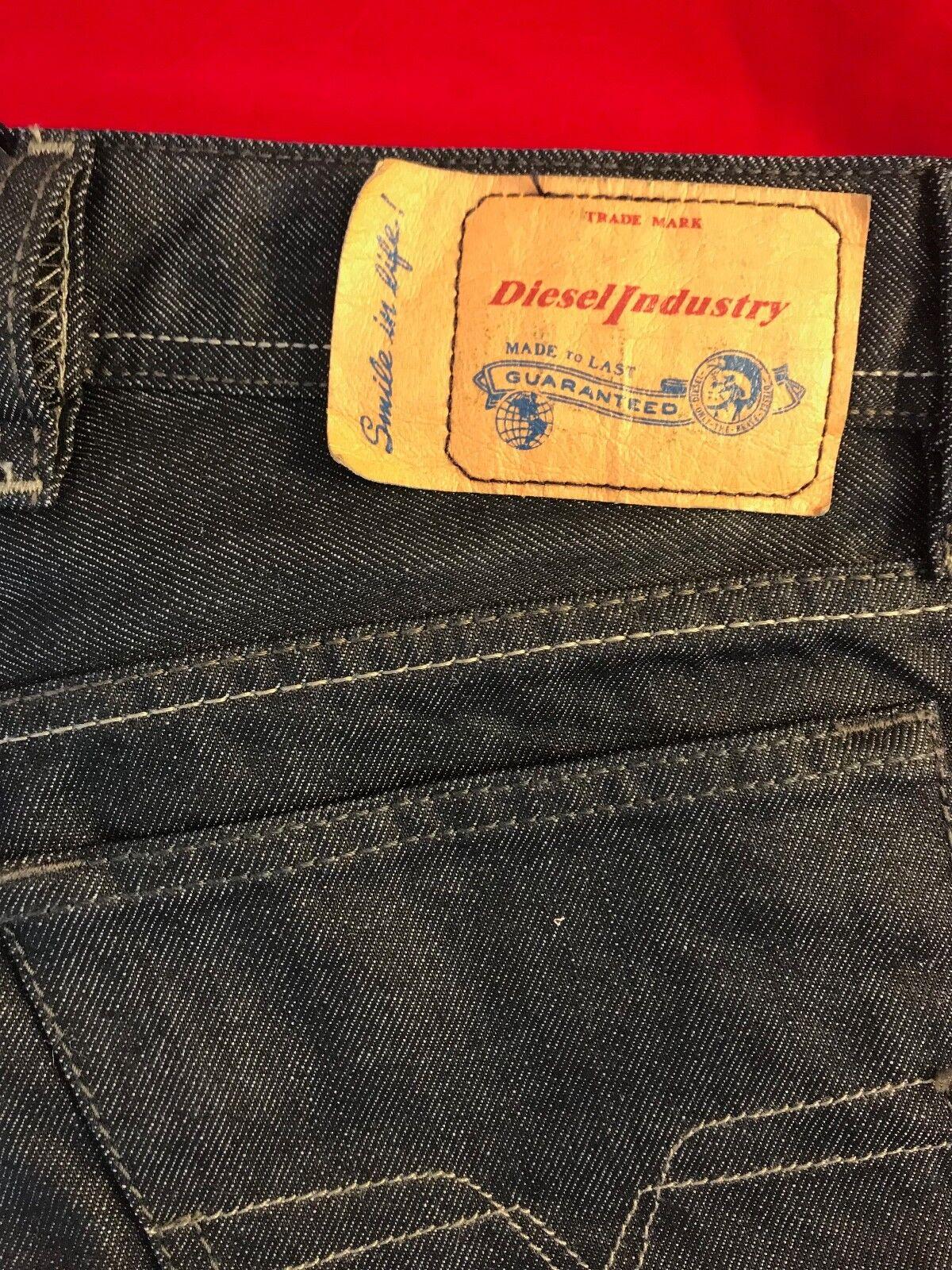 BNWT DIESEL Gents Waykee Regular Straight Dark bluee Jeans W 29  Leg 30  RRP