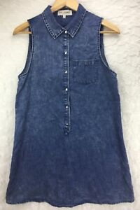 759f6c9fba4975 Image is loading En-Creme-Denim-Blue-Sleeveless-Collared-Button-Down-