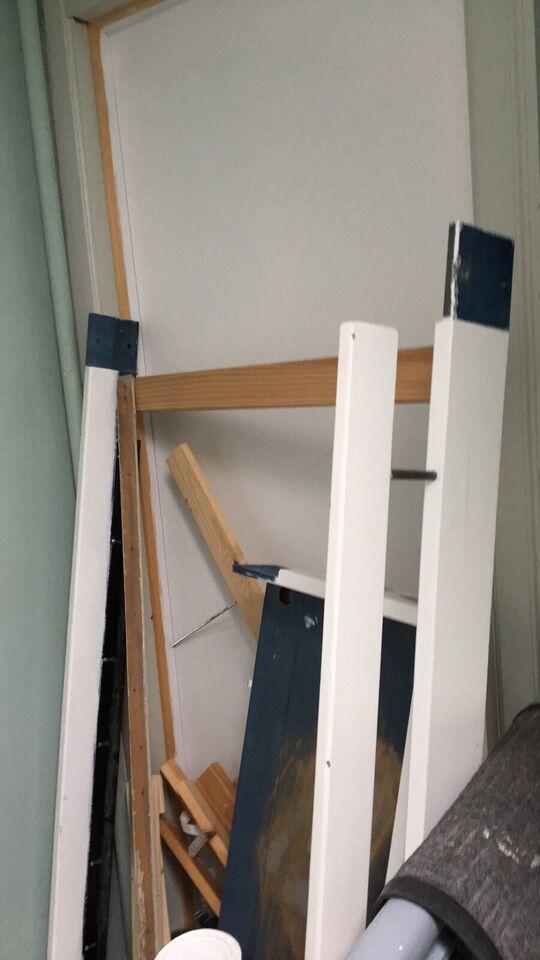 Juniorseng fra Ikea, hvor enderne kan klappes o...