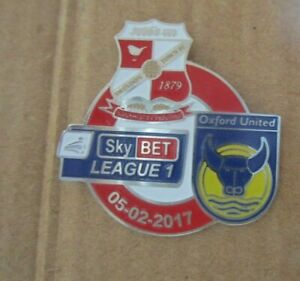 SWINDON TOWN OXFORD UNITED LIMITED EDITION  ULTRA  RARE 2017 BADGE