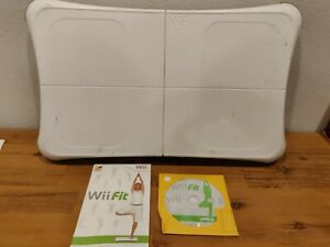 GENUINE NINTENDO WII FIT BALANCE BOARD AND GAME TESTED WORKING RVL-021