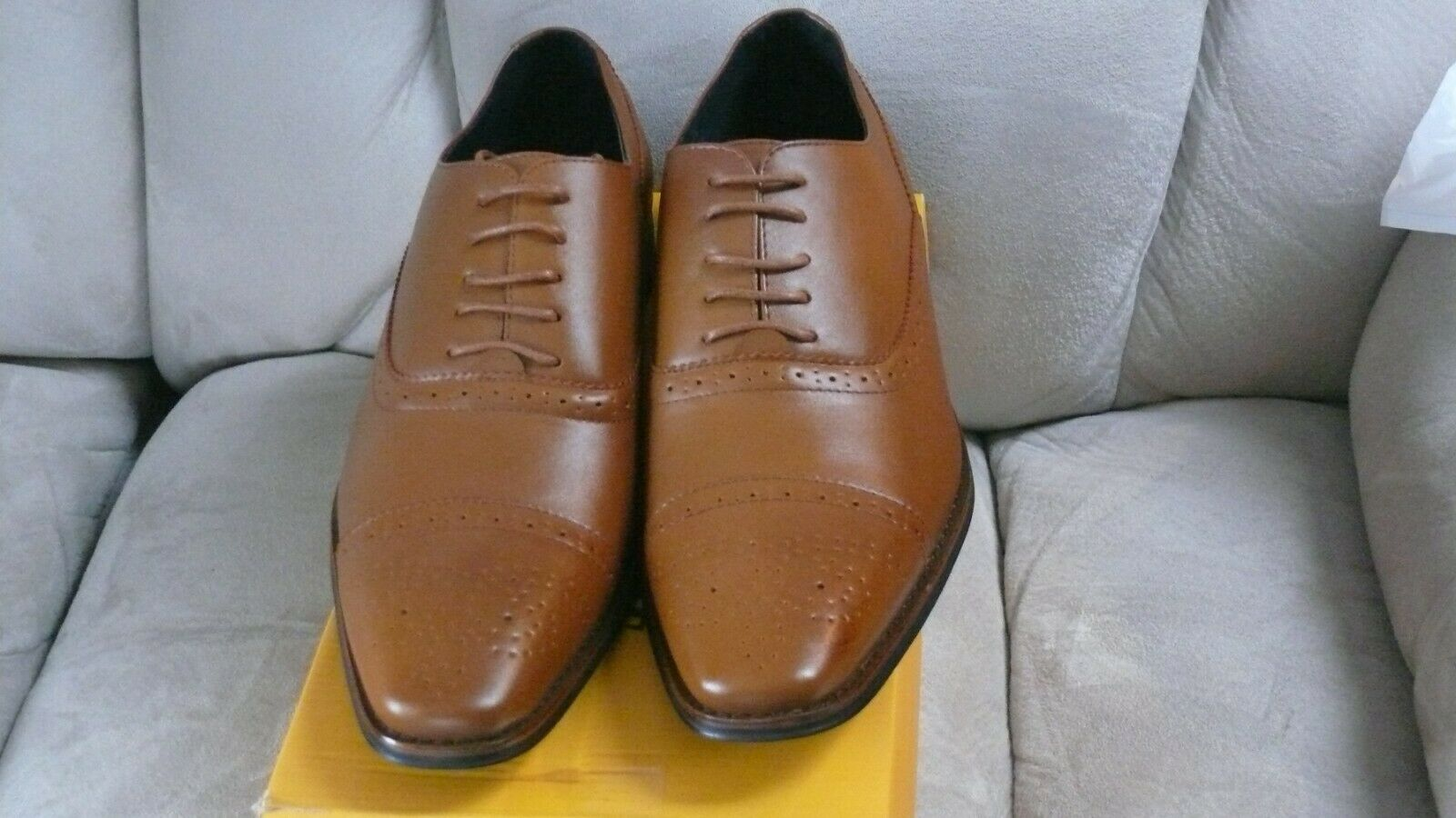 UV Signature Men's Brogue Cap Toe Oxford Dress shoes Tan Brown Size 12 022719C