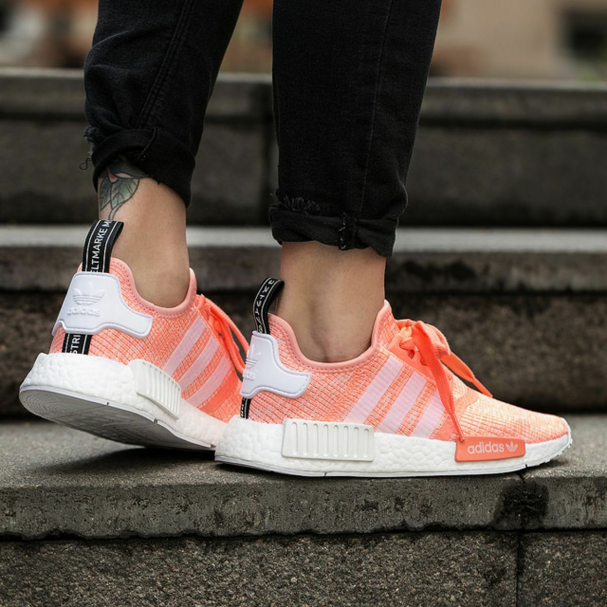 AUTHENTIC adidas NMD_R1 NMD_R1 NMD_R1 Runner Sun Glow White Peach Pink Coral BY3034 Women size bcfd27