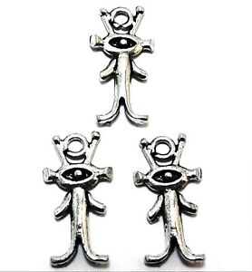 3-Pewter-Alien-Charms-5358