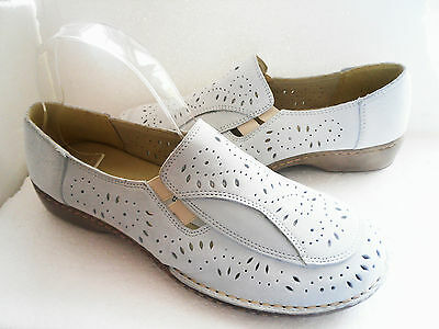 K BY CLARKS  HATTIE WHITE NUBUCK LEATHER  SHOES UK SIZE 5&6.5 WIDE FITTING
