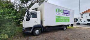 vrachtwagen met  VOLLEDIGE PUR SPUIT INSTALLATIE