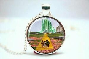 WIZARD-OF-OZ-SILVER-NECKLACE-WITH-CHARM-YELLOW-BRICK-ROAD-EMERALD-CITY-KC21