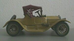 Yesteryear Y6 - Cadillac - Gold - Original Model (YY102)