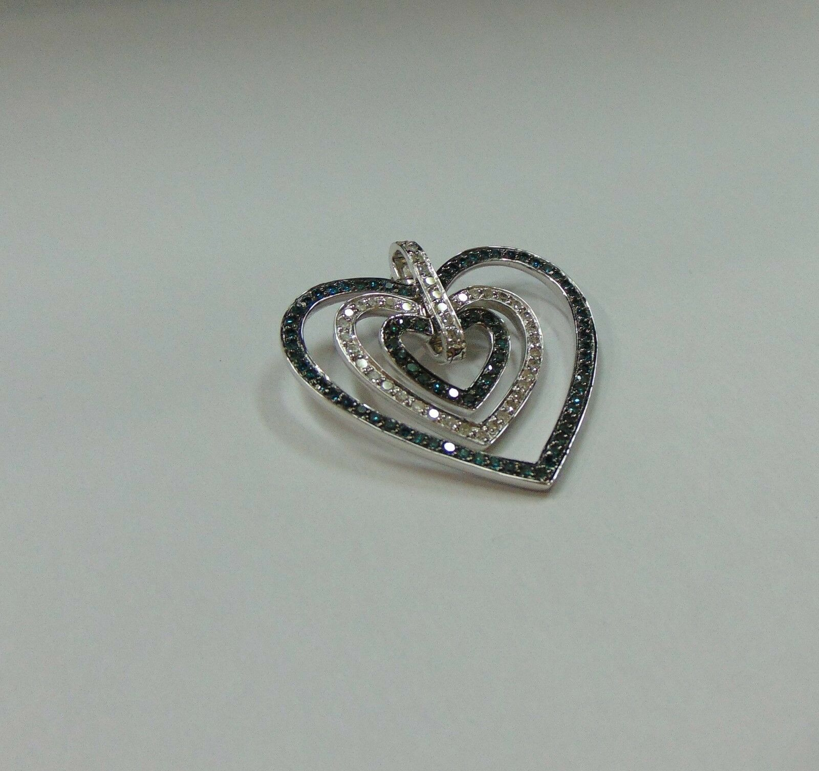 14K white gold 119 diamond 1.1 ctw 3 heart pendant 659-W