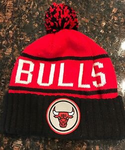 6aba3893107 Chicago Bulls Pom Knit Cap Mens Mitchell   Ness Pom Pom Beanie Cap ...