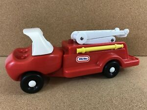 Vintage-Little-Tikes-Red-Fire-Truck-Toy-Light-Scuffs-No-People