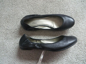 AK ANNE KLEIN Women's Black Leather Comfortable Stretch Ballet Shoes Size 6.5M
