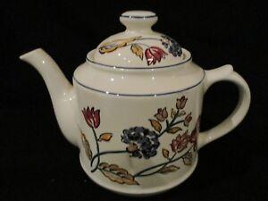 Boots-CAMARGUE-teapot