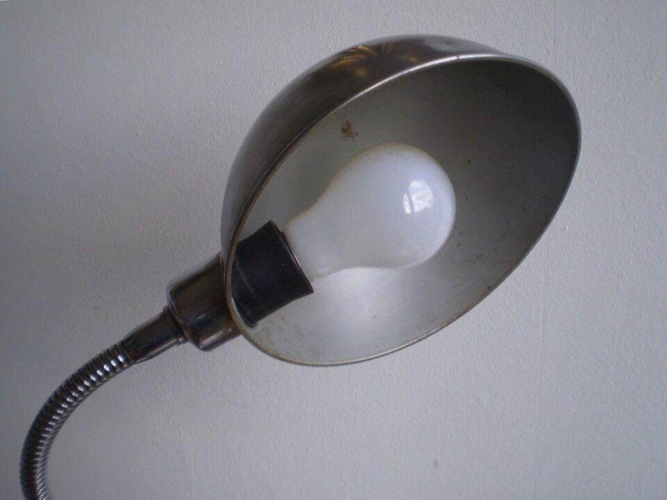 Anden arkitekt, 1940, bordlampe