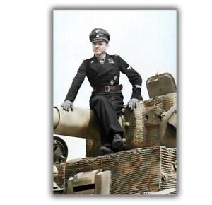 War-Photo-Michael-Wittmann-famous-German-tank-commander-Size-034-4-x-6-034-inch-Q