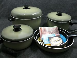 Nordic-Ware-Gourmet-039-s-Set-Pots-Pans-Avocado-Green-in-Original-Box-MCM-NOS-RARE