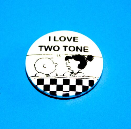 I LOVE 2 TWO TONE SKA CHARLIE BROWN SNOOPY PEANUTS INSPIRED BUTTON PIN BADGE