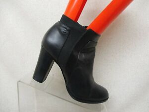 CALVIN-KLEIN-Black-Leather-Side-Zip-Elastic-Ankle-Fashion-Boots-Bootie-Size-7-M