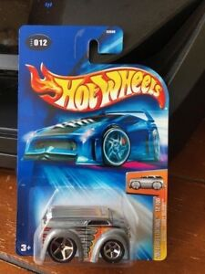 2004 Hot Wheels First Editions Blings Dairy Delivery #12