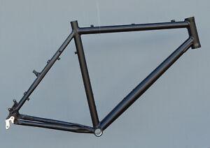 Mountainbike-Rahmen-56-cm-Alu-schwarz-matt-26-034-Disc-amp-V-Brake-NR666