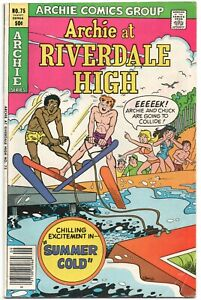 Archie-At-Riverdale-High-75-1980-FN-Betty-Veronica-Swimsuit-Bikini-Water-Ski