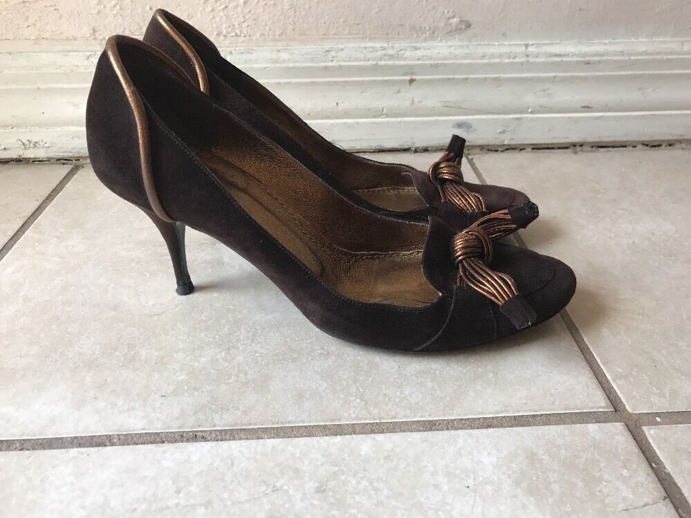 GivenchyMarronee Bow Detail Suede Pumps Sz 36.5M MADE IN ITALY