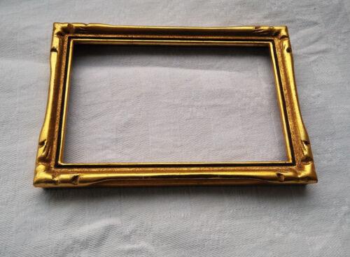 sculpté,10 x 15 cm. ancien cadre photo patiné bois doré