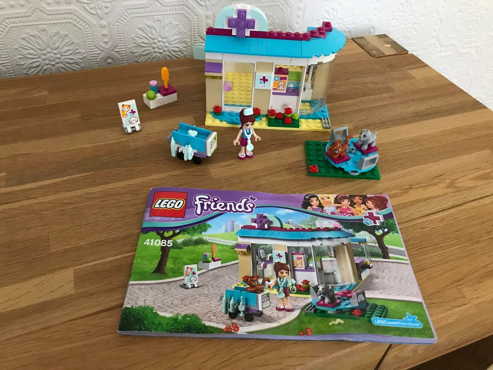 Lego Friends 41085 - Vet Clinic, 100% Complete, Instructions, No box