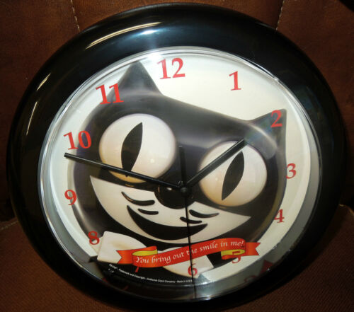 """KIT-CAT WALL 12/"""" ROUND MADE IN THE U.S A. CLOCK-WITH FREE BATTERY"""