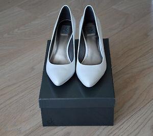 Escarpins-Calvin-Klein-cuir-verni-blanc-talon-8-cm-Taille-38
