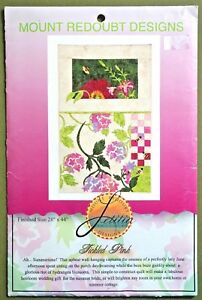 Tickled-Pink-quilt-pattern-Mount-Redoubt-wall-hanging-floral-Summer-bees-flowers