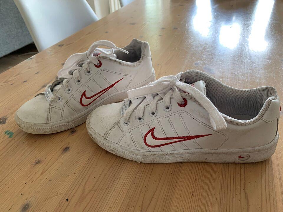 Sneakers, str. 35, Nike – dba.dk – Køb og Salg af Nyt og Brugt