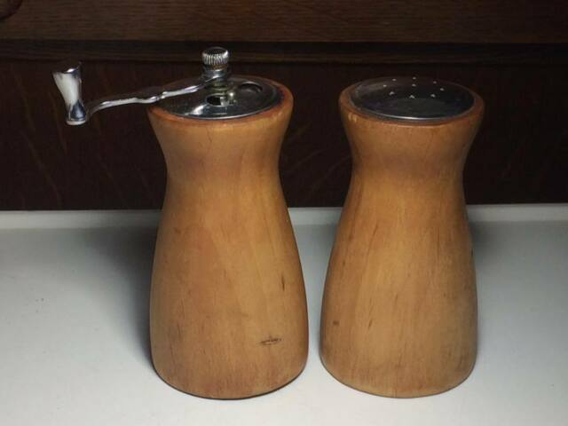 Vintage George S.Thompson wood salt and pepper set made in California USA