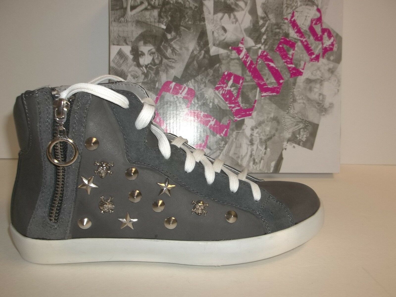 Rebels Size 7.5 M Cash Black High Top Sneakers New Womens shoes