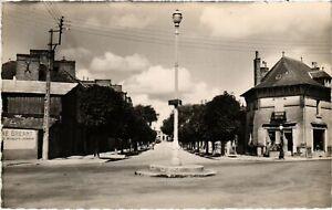 CPA La GUERCHE-de-BRETAGNE - Avenue Général-Leclerc (112121)