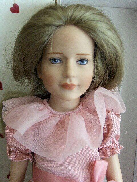 KAYLIE Bridesmaid - 16  41cm - 1995 TONNER Poupée Mannequin de collection