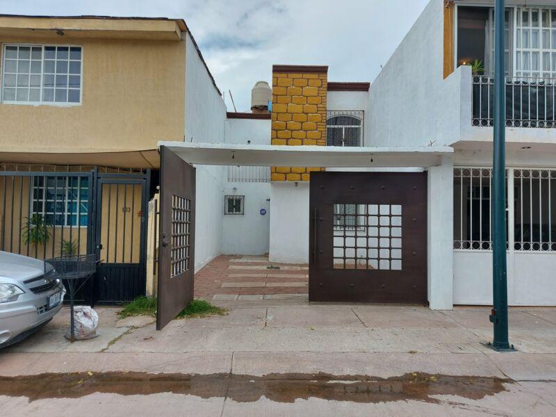 Casa en Renta Remodelada Brisas del Carmen Privada control de acceso guardia en Leon Gto