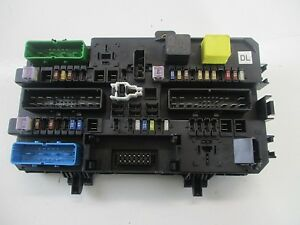 vauxhall astra fuse box boot vauxhall / opel astra h / zafira b rear boot / trunk fuse ...