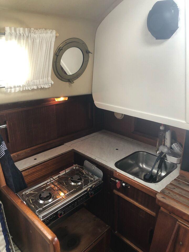 NY PRIS 30 fods sejlbåd med rat