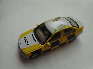 1-72-CARARAMA-Classic-BMW-3-Serie-Police-Diecast-Voiture-Modele