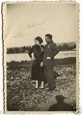 Couple homme femme bord fleuve rivière - photo ancienne snapshot an.1930