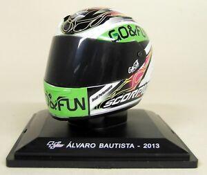 Altaya-1-5-Scale-Alvaro-Bautista-2013Moto-GP-Helmet-with-Plinth-and-Case